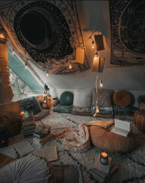 Salon berbère intérieur en escalier