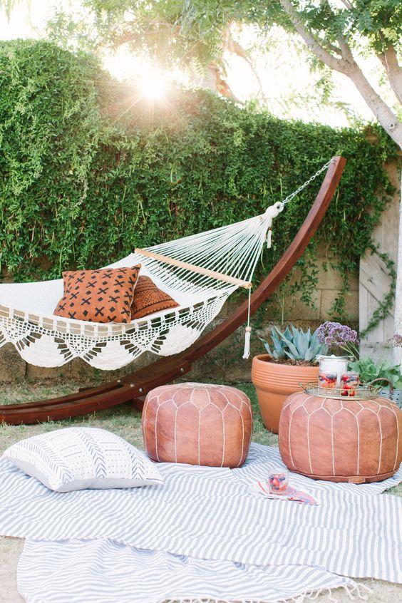 salon de jardin oriental avec hamac