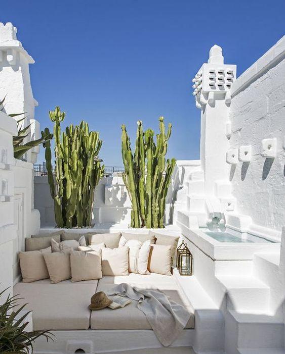 salon de jardin oriental blanc