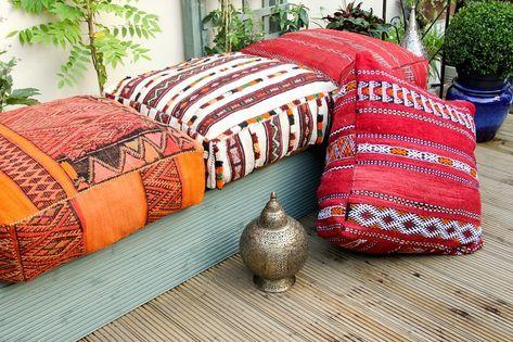 salon oriental moderne coussins berberes