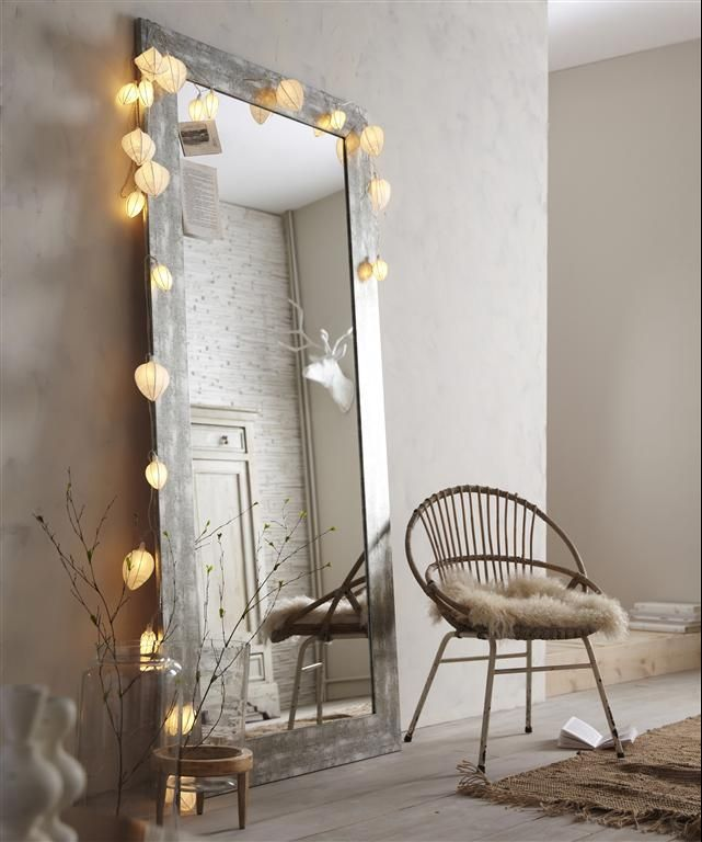 Miroir décoré