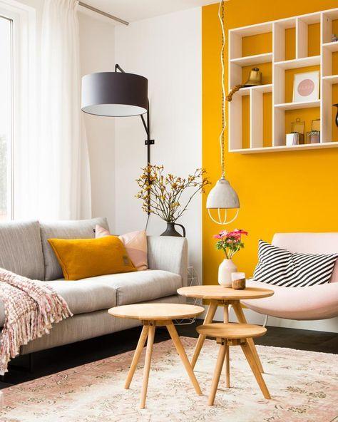 Décoration jaune pour salon marocain sombre