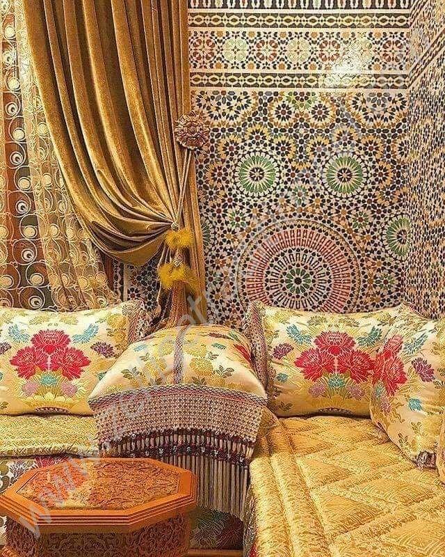 Salon marocain très coloré